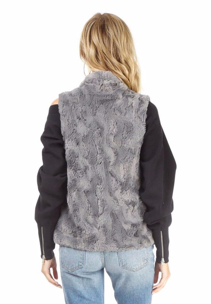 BB Dakota Jack By Bb Dakota Cheerio Faux Fur Vest in Charcoal